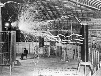 Πείραμα του Τέσλα με εναλλασσόμενο ρεύμα