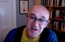 εκλαΐκευση της επιστήμης: βρετανική επικοινωνιακή δεινότητα με ανατολίτικη ζεστασιά