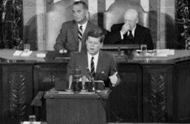 Σαν σήμερα… 1961, ο Τζον Κένεντι κάνει ιστορική ομιλία.