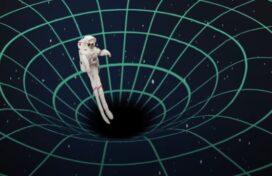 Τι γίνεται αν πέσετε σε μια μαύρη τρύπα …