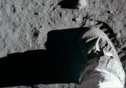 Το ταξίδι του Apollo 11 από τη Γη στο Φεγγάρι